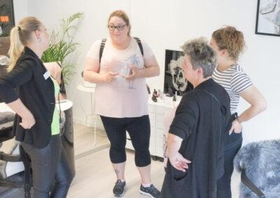 Beauty Bodyforming Jessica Bolliger im Gespräch mit Kundinnen